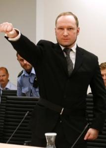 Anders Breivik durante julgamento.  (Heiko Junge / NTB Scanpix/ Pool/ Reuters)